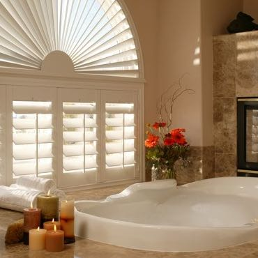 Houston bathroom plantation shutters.